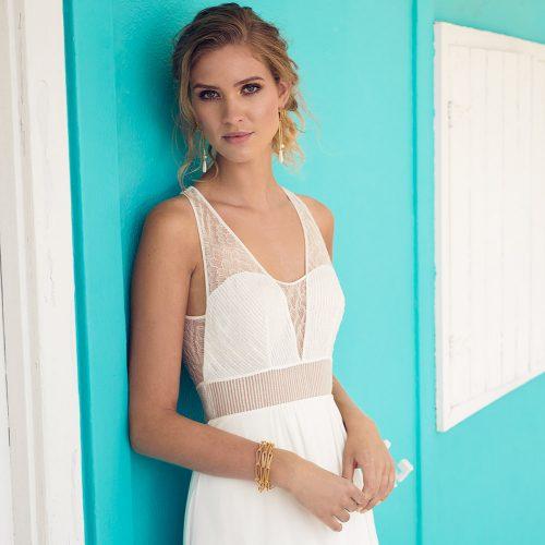 Extraordinary bridal dress